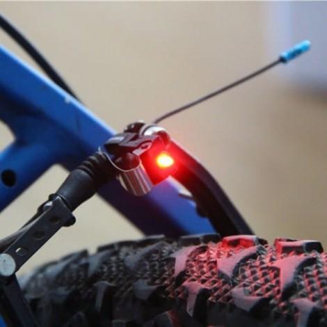 Universal Fahrradbremslichthalterung Fahrradheck LED Sicherheitswarnleuchten LED-Licht
